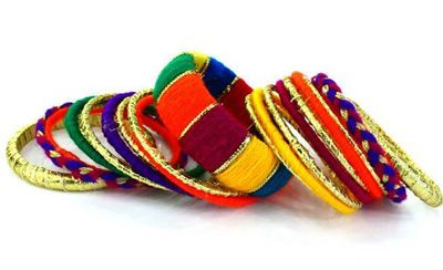 Handmade bangles with trendy colors