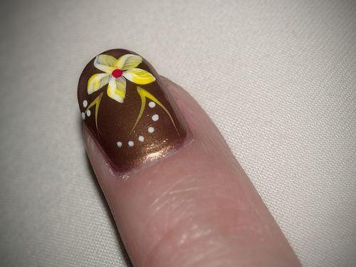 Gold Nail IdeasNails Art, Gold Nails, Nails Design, Fingernail Polish, New Nails, Fashion Nailsart, Nails Ideas, Designsnail Art, Yellow Flower