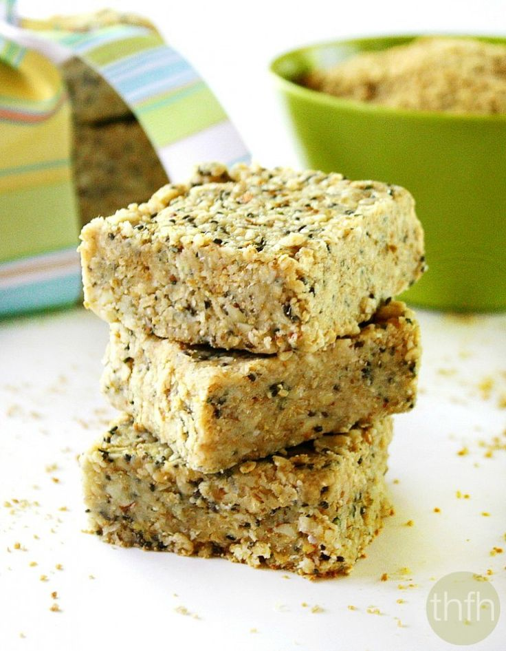Clean Eating Hemp and Chia Seed Bars...vegan, gluten-free, dairy-free and contains no refined sugar | The Healthy Family and Home | #vegan #glutenfree #cleaneating