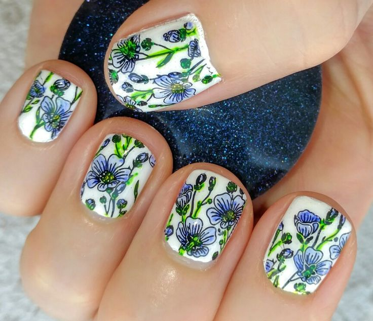 Lovely, lovely flax from Creative Shop plate 22 even on my small nails.  #creativeshop #creativeshopplates #creativeshopstamper