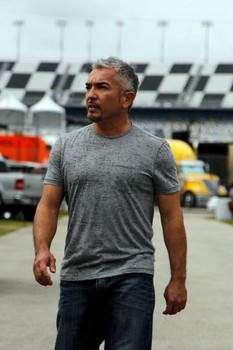 """Dog Whisperer"" Cesar Millan signs on for Save Lennox movement, offers to take & rehome dog."