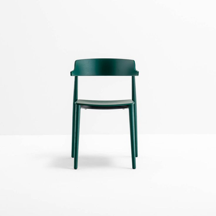 Nemea, Athletic agility design M. Cazzaniga, S. Mandelli, A. Pagliarulo _ The embracing, comfortable backrest with armrests crowns the seat and allows to lean it on the table. #Christmas