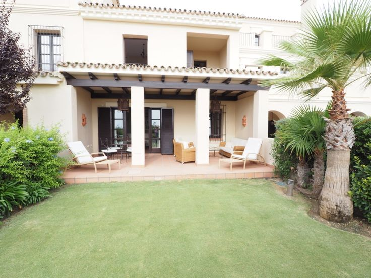 Beautifully furnished 2 bed Townhouse for rent in Sotogrande Los Cortijos de La Reserva