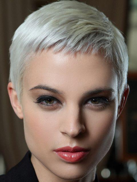 Frisuren kurz und grau