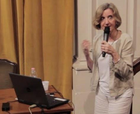 """GENOVA - Nicole Kerlero De Rosbo, Ricercatrice dell'Università degli Studi di Genova, ha lavorato anche all'Istituto Neurologico Carlo Besta, all'Universite Paris-Sud e al Weizmann Institute of Science. Ci ha parlato di """"Terapie per la sclerosi multipla"""""""