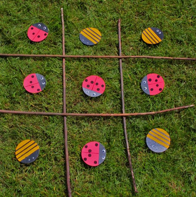 Hooray to the arrival of summer! Time for some outdoor games! Learn how to make your very own outdoor bug game with this how to by Little Button Diaries.