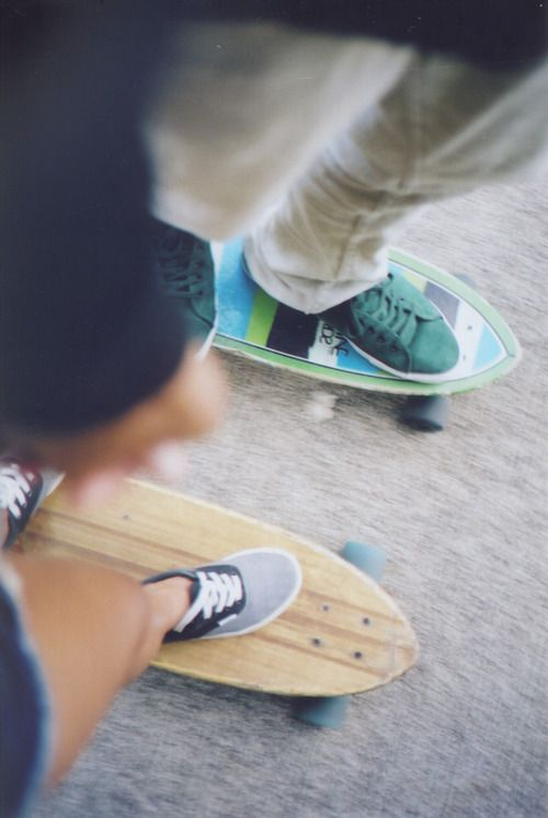 skater girl, longboard girl, skateboarding with your boyfriend <3  I so want a relationship like this.