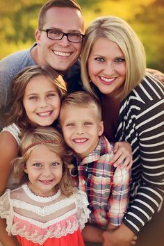 Family Of Five Photo Ideas, Family Pics, Family Pictures Of Five, Outdoor Family Fall Pictures, Family Pictures Large, Family Of Five Poses, Family Posing ...