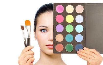 Secrets learned at makeup artist school