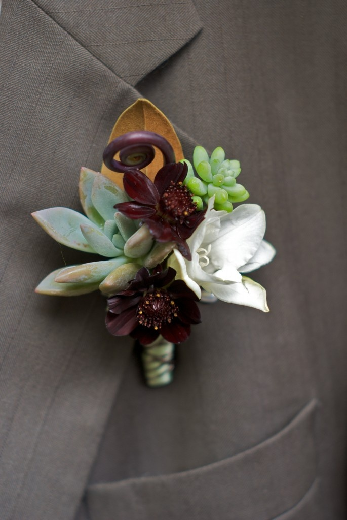 1094 best ideas about wedding boutonnieres flowers for men grooms gay wedding on pinterest. Black Bedroom Furniture Sets. Home Design Ideas