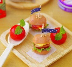 まん丸ウインナーを使えばとっても簡単!飾り切りハンバーガーのアイデア♡