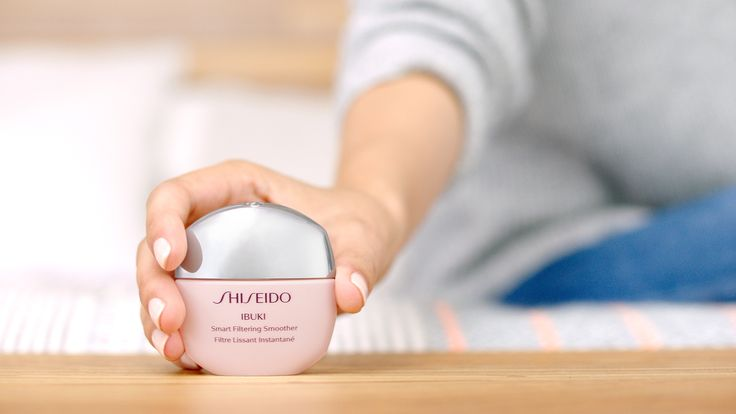 Grazie al suo design piatto, Ibuki SMART FILTERING SMOOTHER s'infila perfettamente in tasca o nella più piccola pochette per una pelle sempre pronta a tutto! #SelfieReady #sharebeauty #ShiseidoFilter