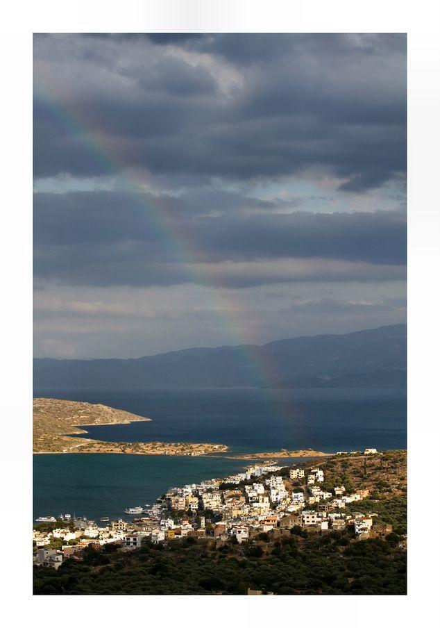 Stralend mooi weer is vaak wat iedereen wenst op vakantie. Maar zo nu en dan wat wolken en een buitje kan juist mooie foto's opleveren. Hier kwamen we net uit de bergen. Het begon wat te regenen en ineens was daar die mooie regenboog...