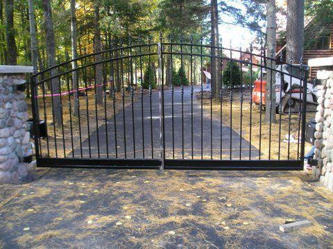 15 best images about gates on pinterest driveways for Best driveway gates