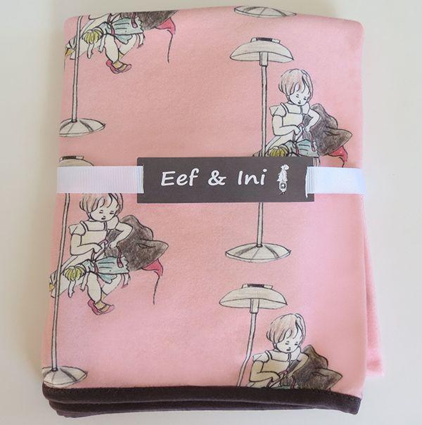 Pink baby blanket. www.eefandini.co.nz