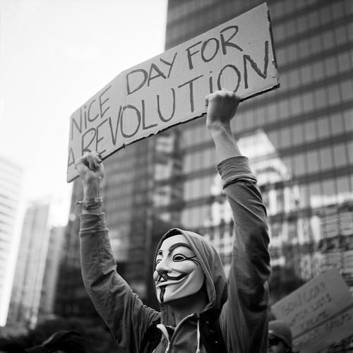 NICE DAY FOR REVOLUTION, DON´T YOU THINK?