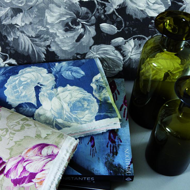 Blue Note (http://guell-lamadrid.com): variaciones cromáticas de flores en una selección de telas de lo más inspiradoras #deco #design #interiordesign #homedesign #homedecor #homesweethome