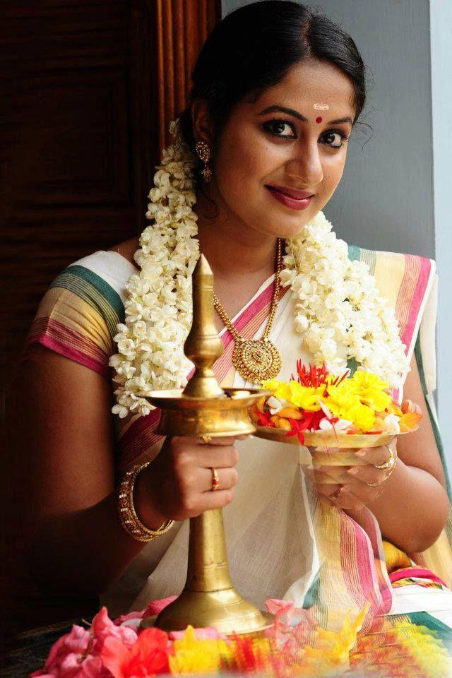 Jyothi Krishna in Kerala Traditional Saree