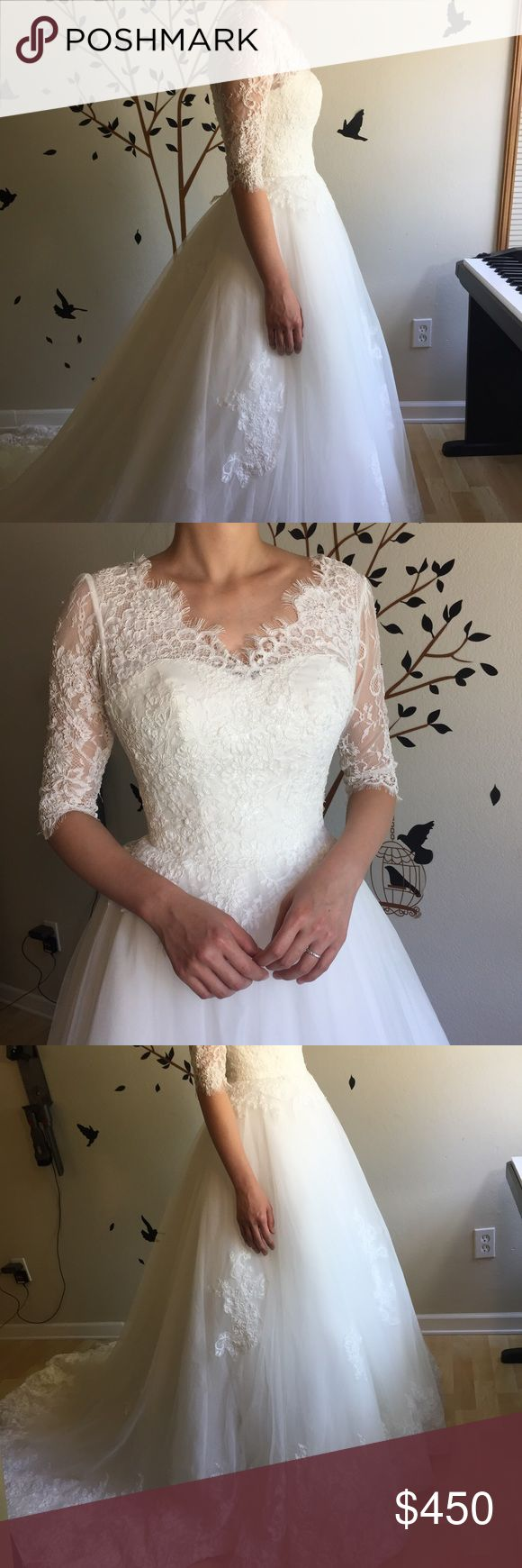 """1/2 sleeve lace wedding dress gown Very good quality, great  condition. Lace up back, good for size s m l model:    Height 5""""6                Weight 120 lbs Dresses Wedding"""