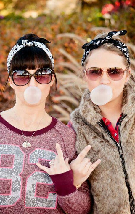 Best friend photoshoot idea. By S&B photography. Tulsa,ok