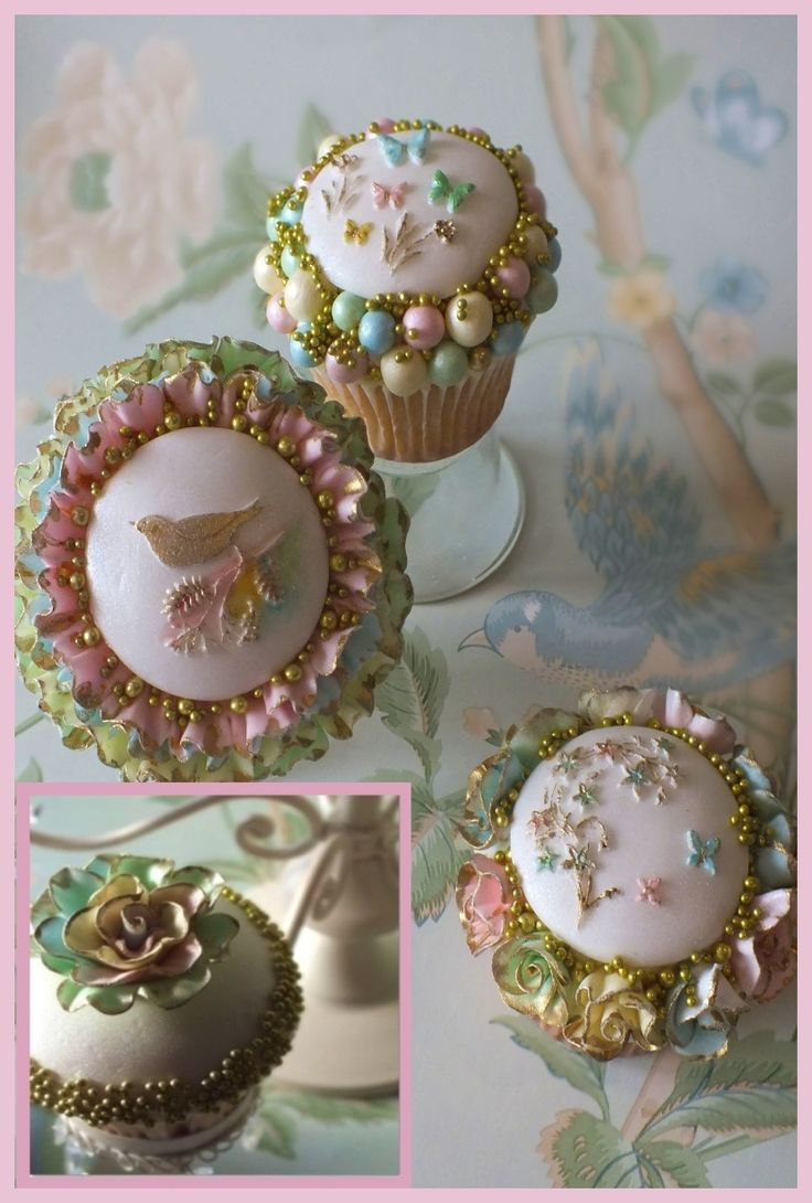 Carina's Cupcakes from Issue 15 of Wedding Cakes & Sugar Flowers magazine www.cake-craft.com
