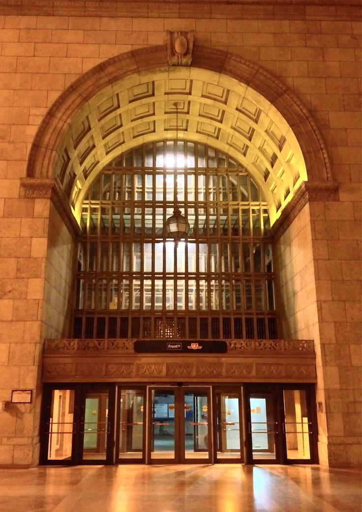 Union Station, Toronto, Front St. entrance interior.