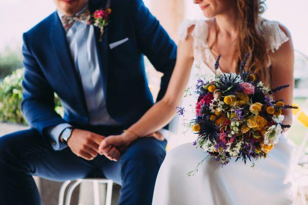 Ela and the poppies - Un mariage colore et joyeux dans la  Drome - La mariee aux pieds nus