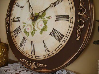 Купить или заказать Часы  Настенные  Мечта(Роспись) в интернет-магазине на Ярмарке Мастеров. Большие деревянные настенные часы , роспись акриловыми американскими красками . Декорирован акриловыми элементами , легкое состаривание. Имеется углубление для часового механизма , тихий ход стрелок.