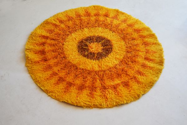 1970's #MidCentury Radial Patterned Bright Orange Axminster 100% Wool Rug | Vinterior London  #decor #interiors #home