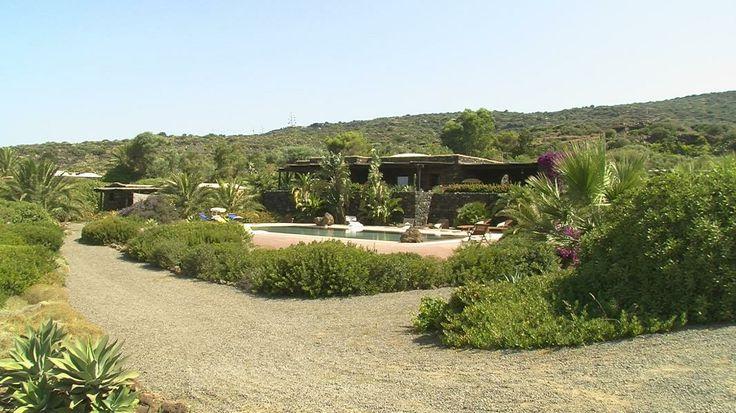 Il dammuso e la piscina visti dall'accesso privato - Dammuso Le Volte