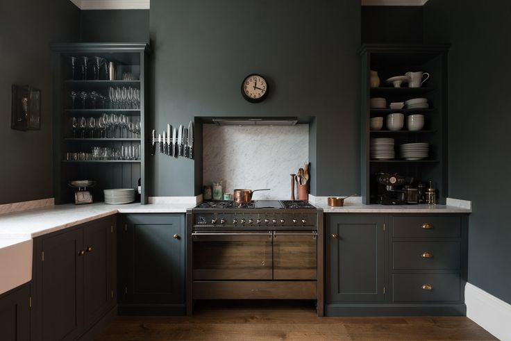 This fabulous Shaker Kitchen by deVOL is in the heart of London, yet it felt so tranquil and calm.