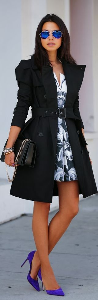 Extraordinaire Street Style Dress. Outstanding Glasses and Heels combination. This is what I call a Perfect Fashion Look.