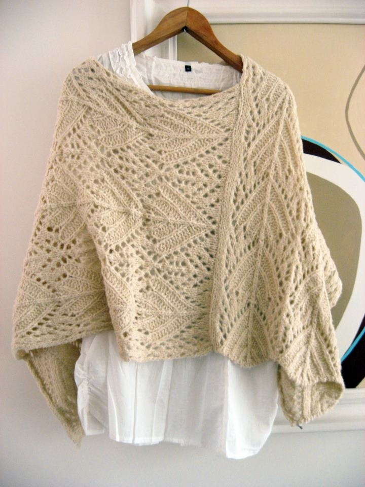 Poncho - Tejido a mano color Beige picture only