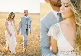 Znalezione obrazy dla zapytania rustic wedding dress
