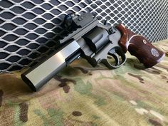 #Smith & Wesson #Custom #tactical #selfdefense #everyday #carry