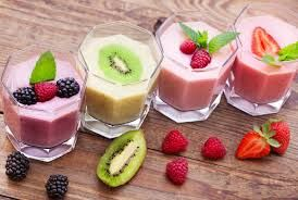 FRUIT SMOOTHIES. KOKTAILE OWOCOWE.