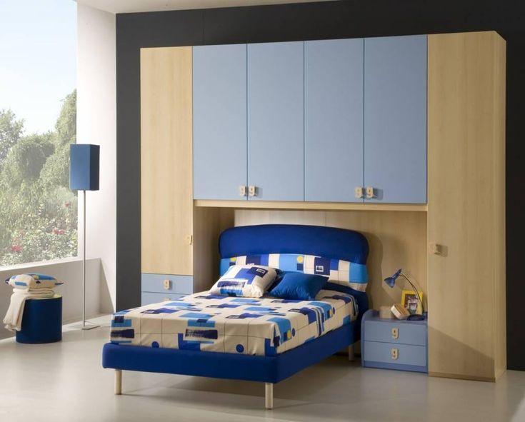 Best 25 wardrobe small bedroom ideas on pinterest small bedroom with wardrobe wardrobe in - Comfortable beds for small spaces minimalist ...