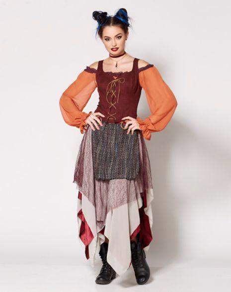 A Spencer's lançou uma coleção de roupas inspirada em Abracadabra, aquele filme da Disney com as Irmãs Sanderson.