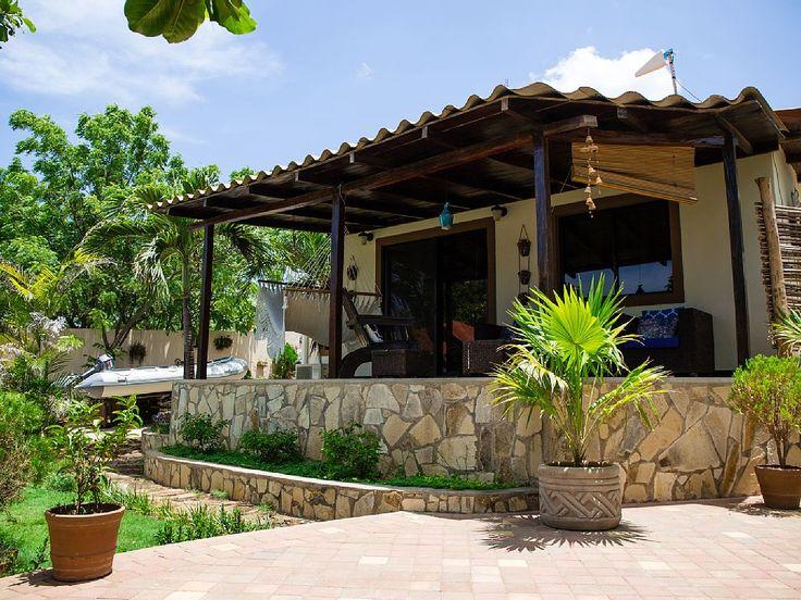 Sandino's Surf House - VRBO