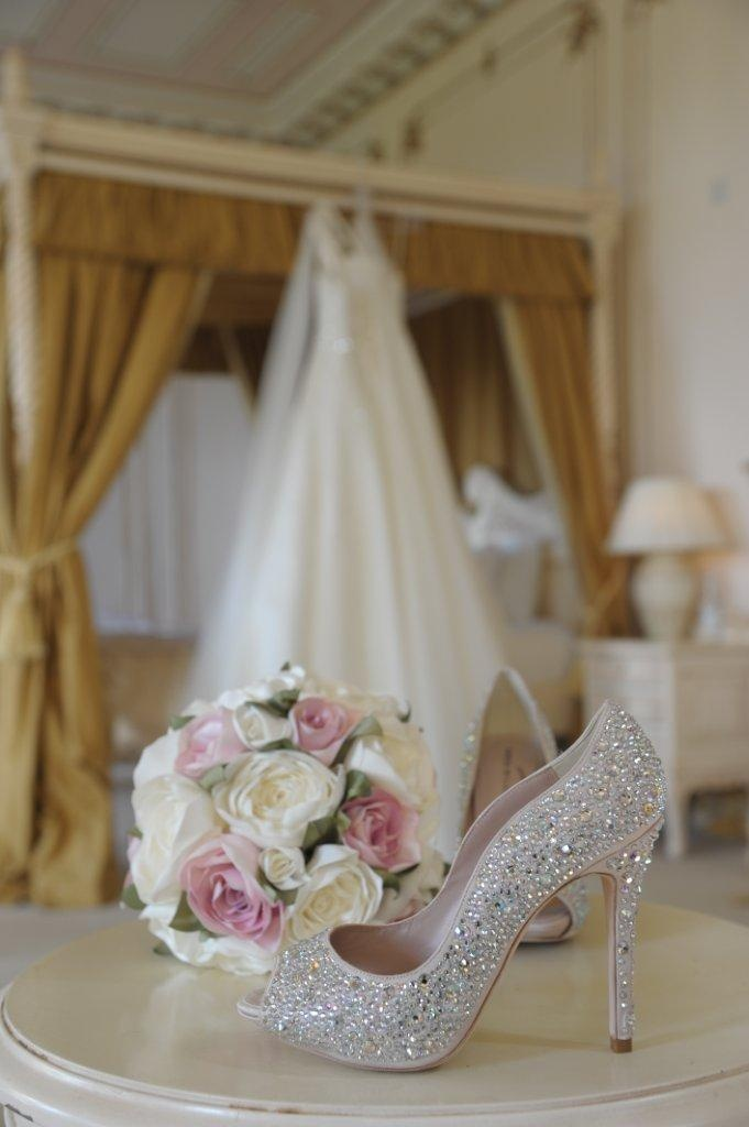 #GosfieldHall #Essex #Wedding #Venue #BridalSuite #Shoes #Bouquet