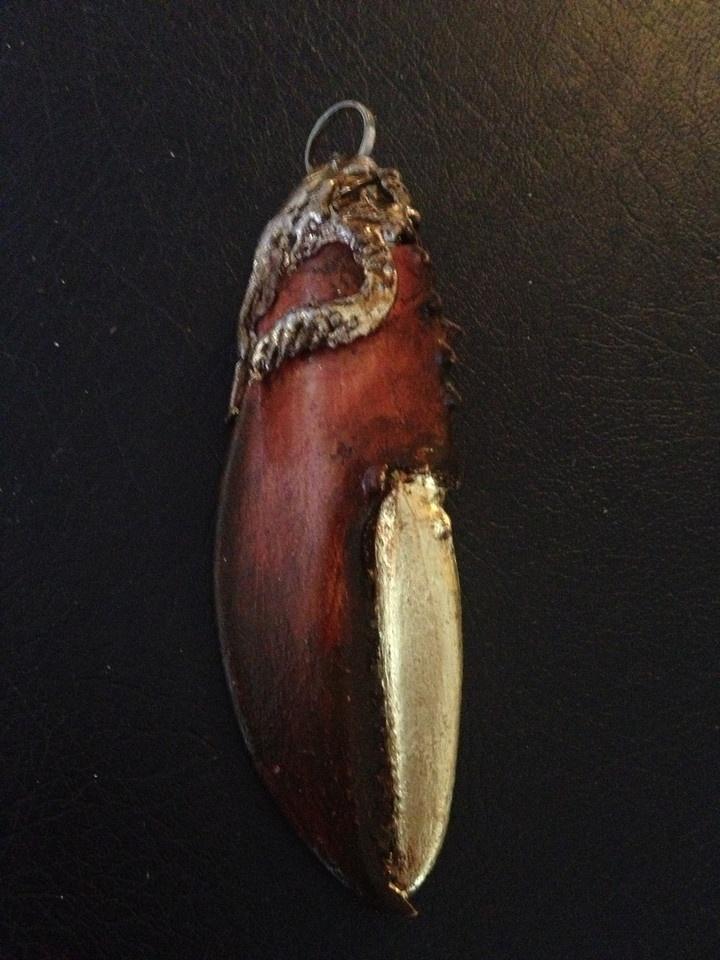 Halsband hummerklo/Necklace lobster claw    http://hassesmagical.smugmug.com/Konst/Konst