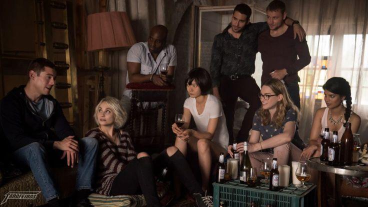 Alguns importantes motivos para você assistir a segunda temporada de Sense8. Não é só ação, tiros e surubas! ;)