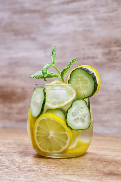 la monodiéte hebdomadaire à base d'eau citronnée / detox water