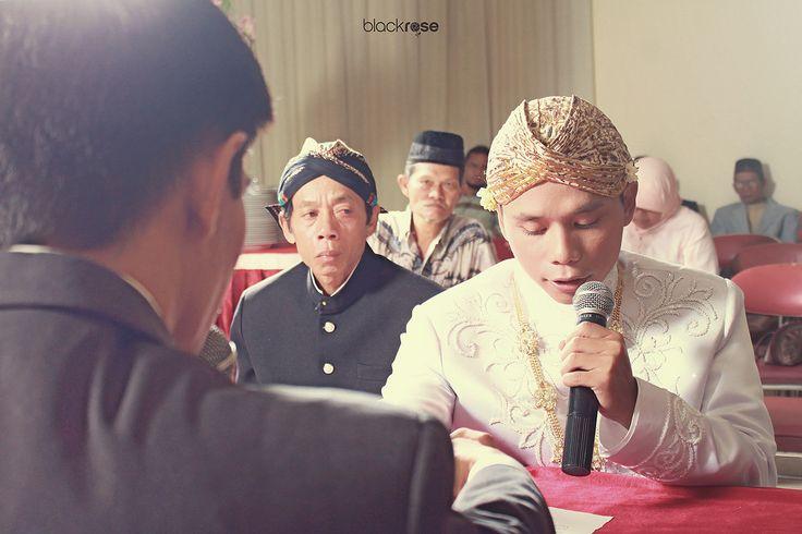 AKAD NIKAH #man #promise #beforemarriage #wedding  #traditionalwedding #beskab #cultureofjava