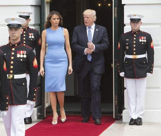 Melania Trump fait sensation avec une robe (très) près du corps lors d'une visite officielle