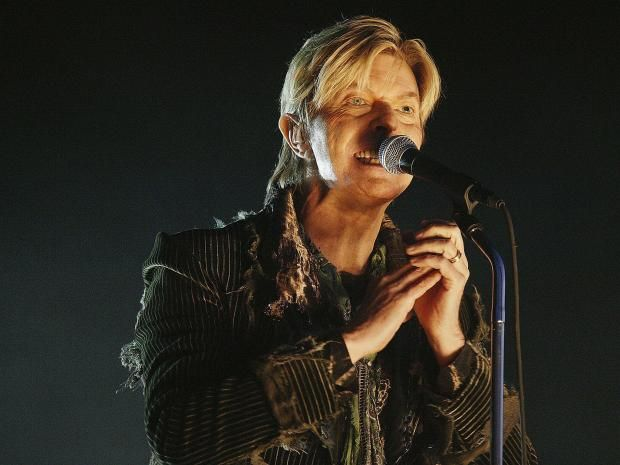 David Bowie managed to keep the scale of his supposed liver cancer secret from all but a handful of people close to him.  Legendary producer Brian Eno – who last worked with Bowie on his 1995 album Outside – paid tribute and revealed the musician emailed him a week ago, in what he now realised was a goodbye message.