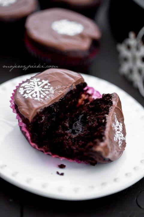 Muffinki czekoladowo-korzenne z powidłami