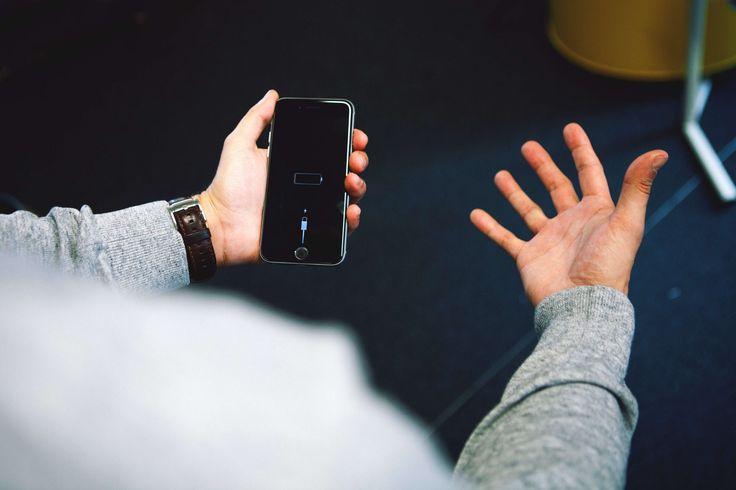 10 einfache Tricks, mit denen dein Handy-Akku im Alltag nicht schlappmacht.
