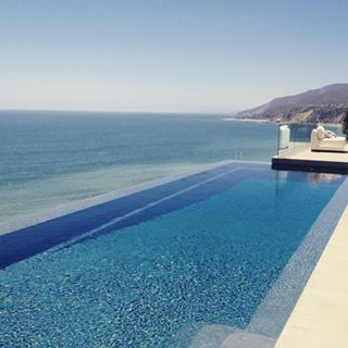 Best Pool on Malibu Caravan Today! #realestate #malibu #realtor #taratrenda #beautiful