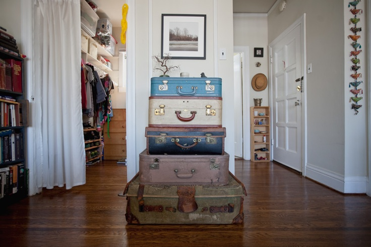 stacked vintage suitcases in a san francisco apartment.: Living Rooms, Bessfriday, Yard Sales, Dark Wood, Rooms And, Neat Ideas, Francisco Apartment, Happy Suitca, Photo